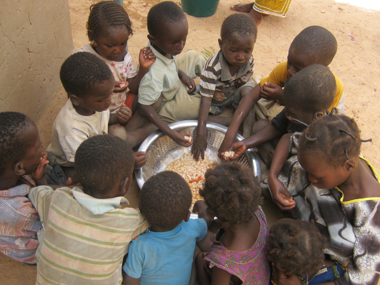les enfants sous la protection de l u2019association